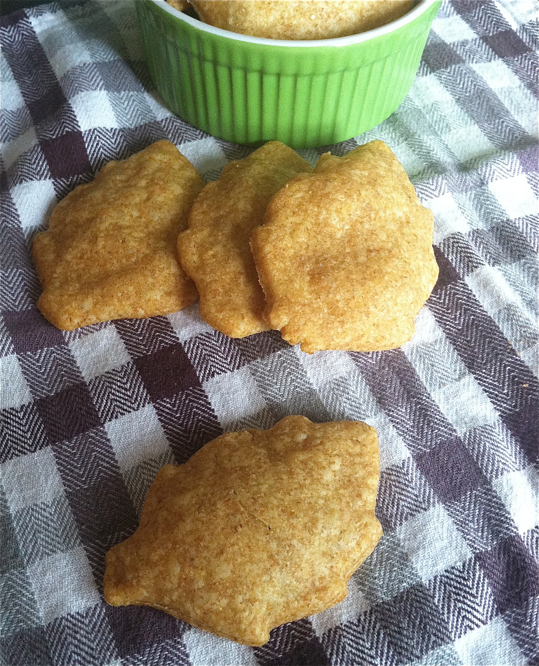 whole wheat cheddar crackers | Fit Mama Real Food