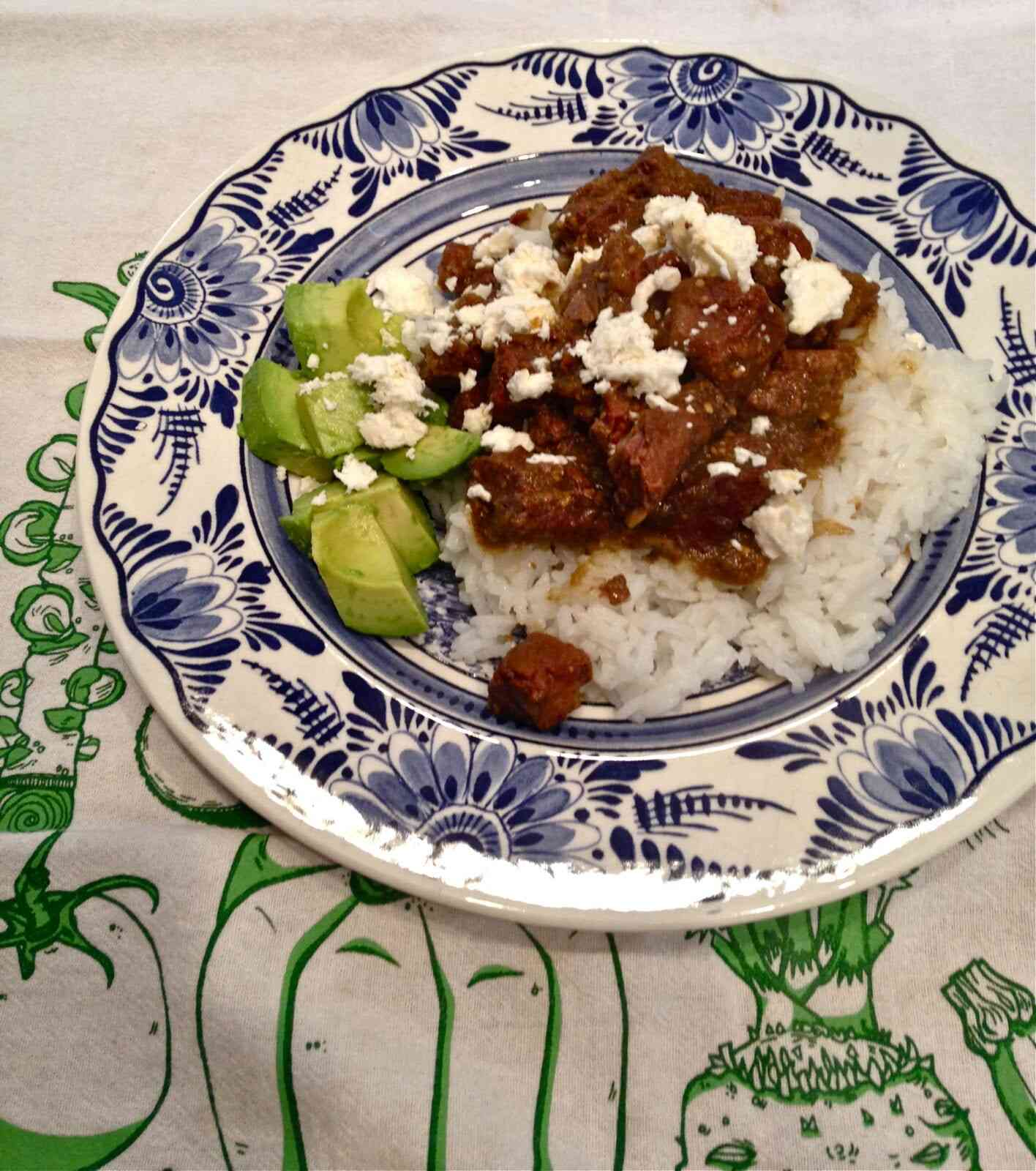 roasted tomatillo salsa beef {crockpot recipe}