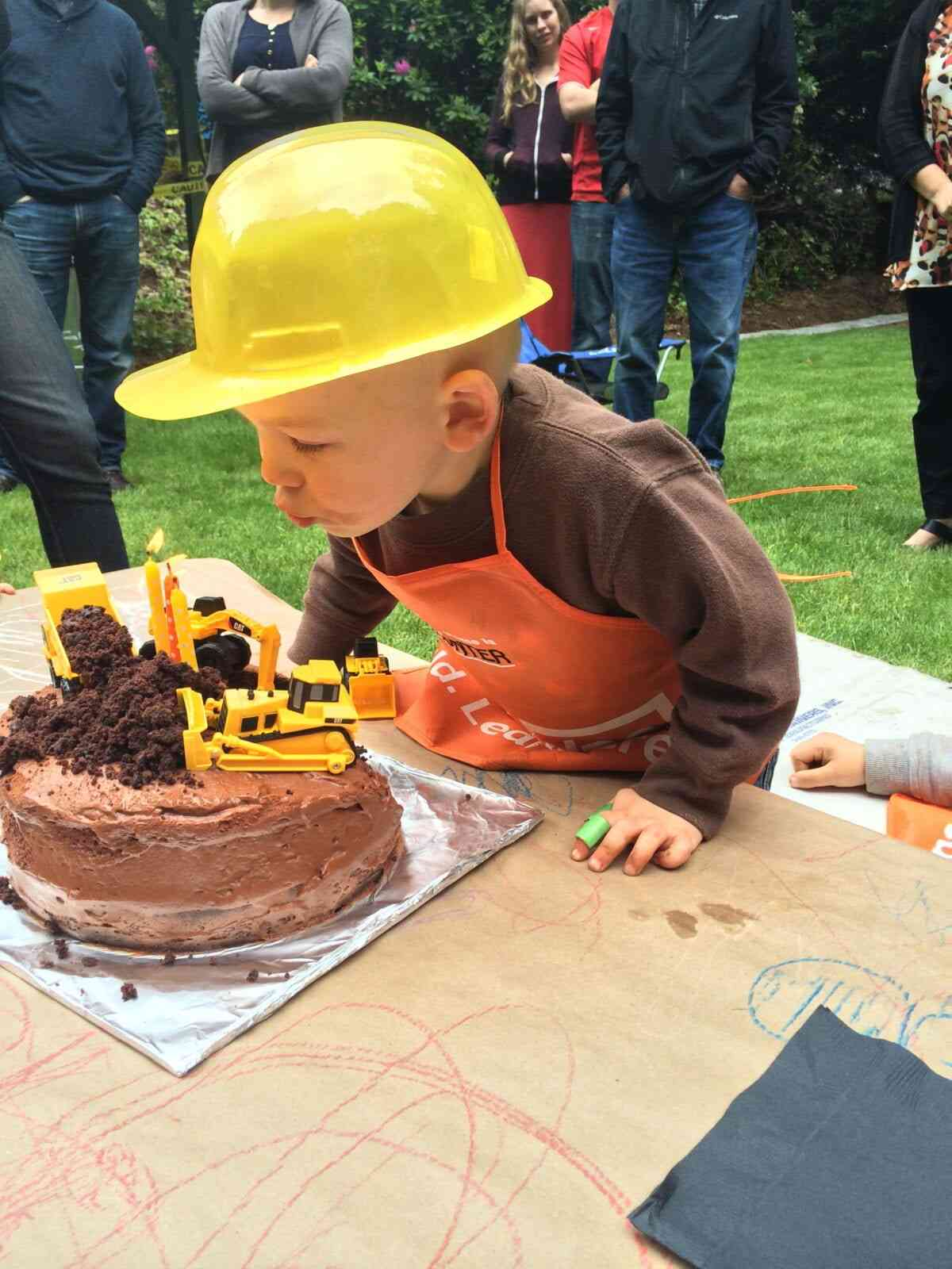 Hunter's construction themed 3rd birthday party