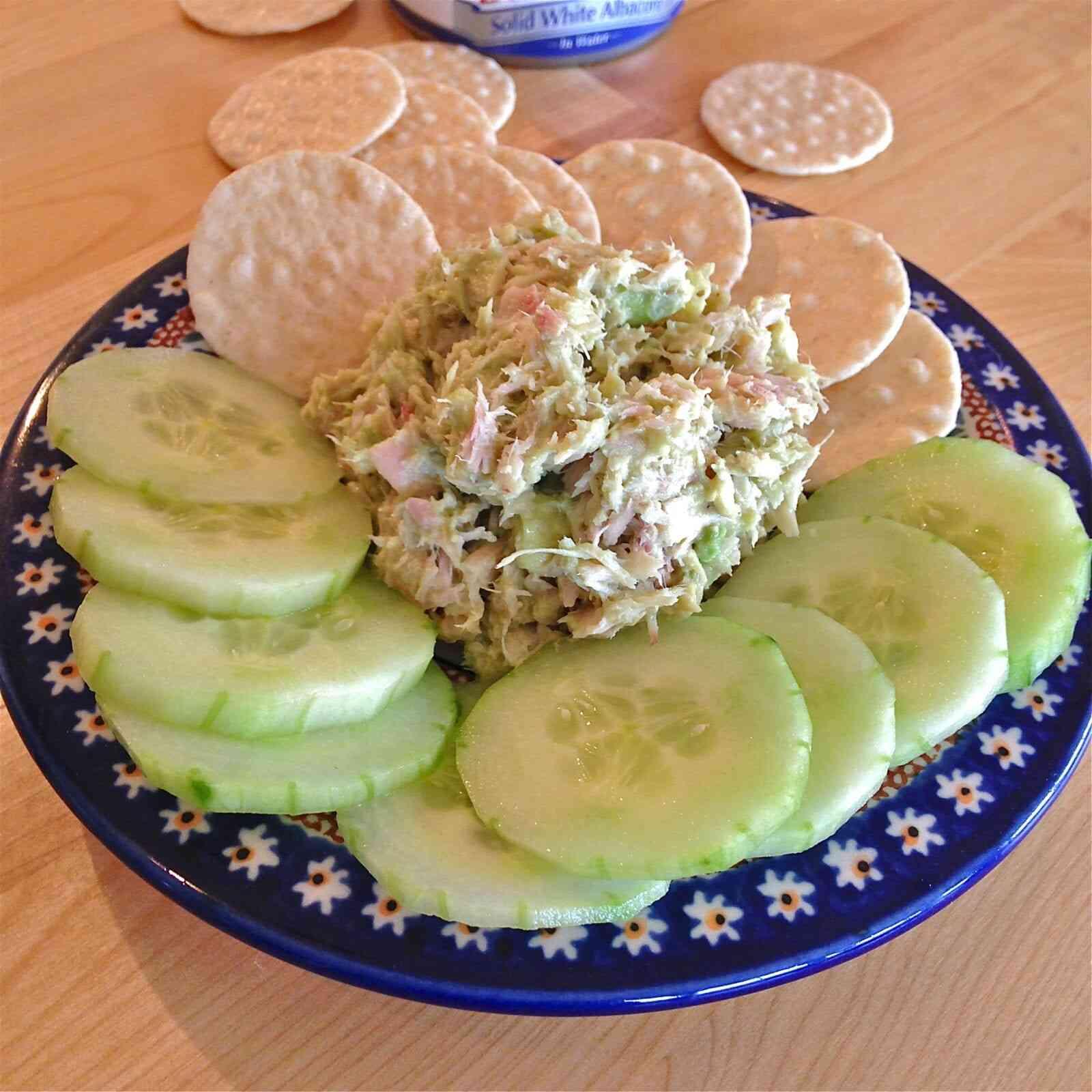 2 minute tuna avocado salad