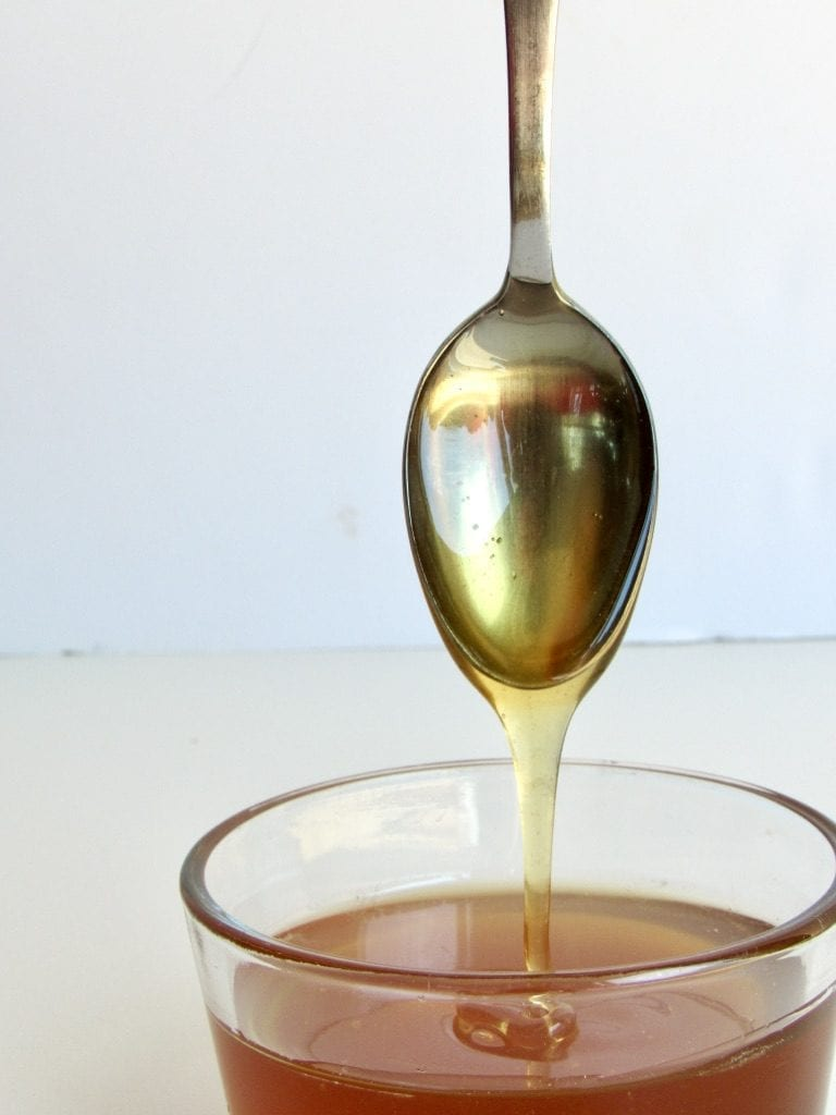 HONEY   the ultimate guide to natural sweeteners   5 favorite unrefined natural sweeteners