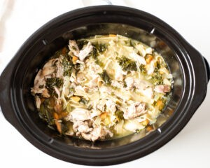 how to make Crockpot Chicken Noodle and Kale Soup