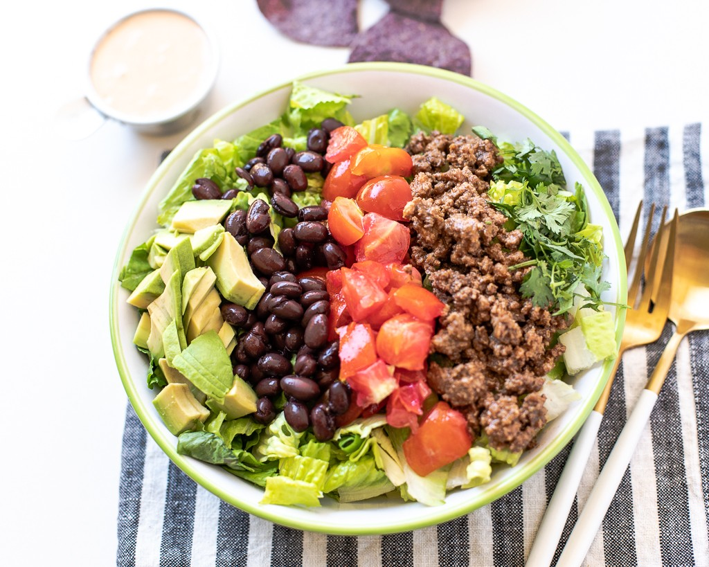 healthy balanced meal: taco salad
