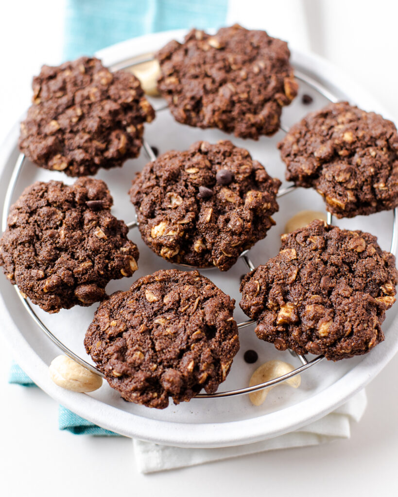 Chocolate oatmeal almond flour cookies