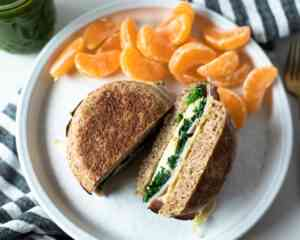 how to make healthy meal prep breakfast sandwiches
